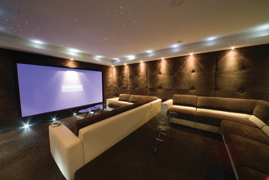 4 Home Theater Essentials For Your Florida Home